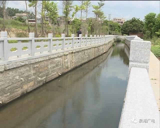 这个镇辖区内9个村(居)7条河流清淤疏浚,有